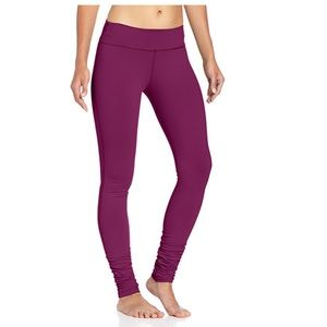 Beyond Yoga Side Ruched Legging In Plum Wine